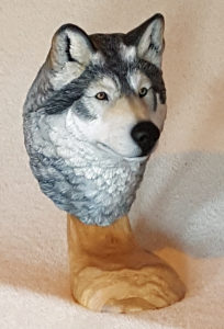 Carving, Sculpture, Gray wolf, wolf, wildlife, fine art
