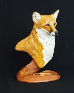 Completed red fox sculpture
